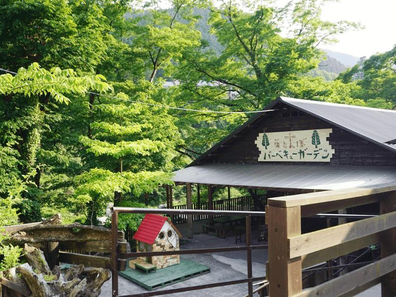 小澤酒造が経営するバーベキュー場「煉瓦堂朱とんぼ」