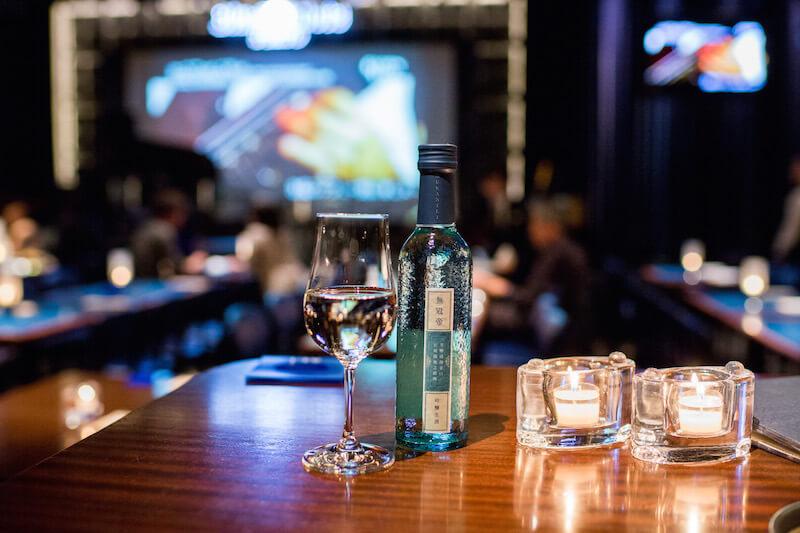 菊水酒造の「無冠帝」は、東京・南青山のジャズクラブ、ブルーノート東京(BLUE NOTE TOKYO)でも提供されている