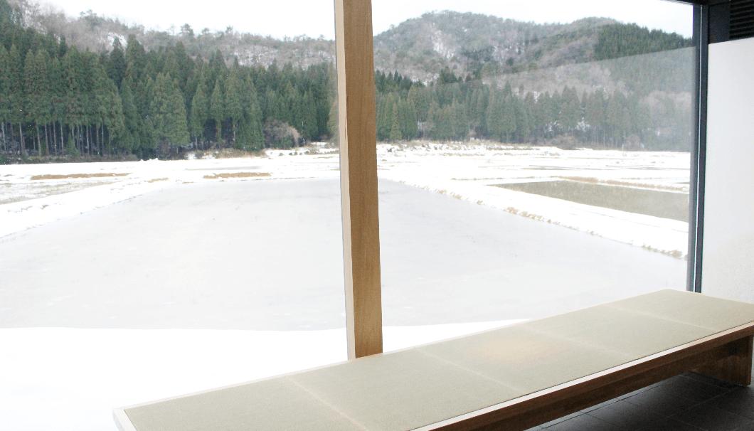 テイスティングルーム「杜庵」の西窓