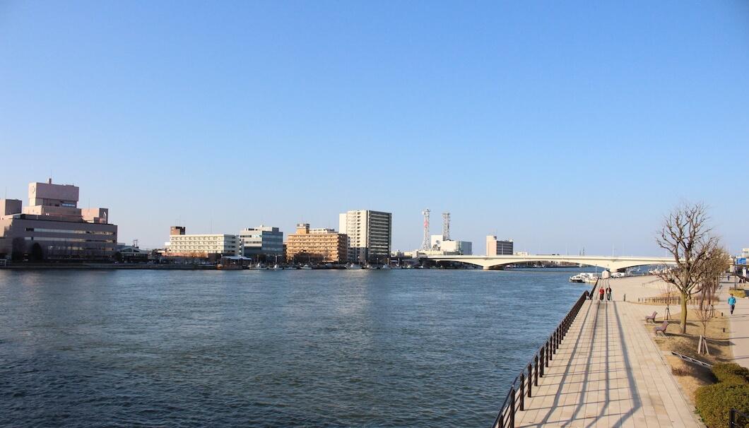 港町として栄えた新潟市の風景