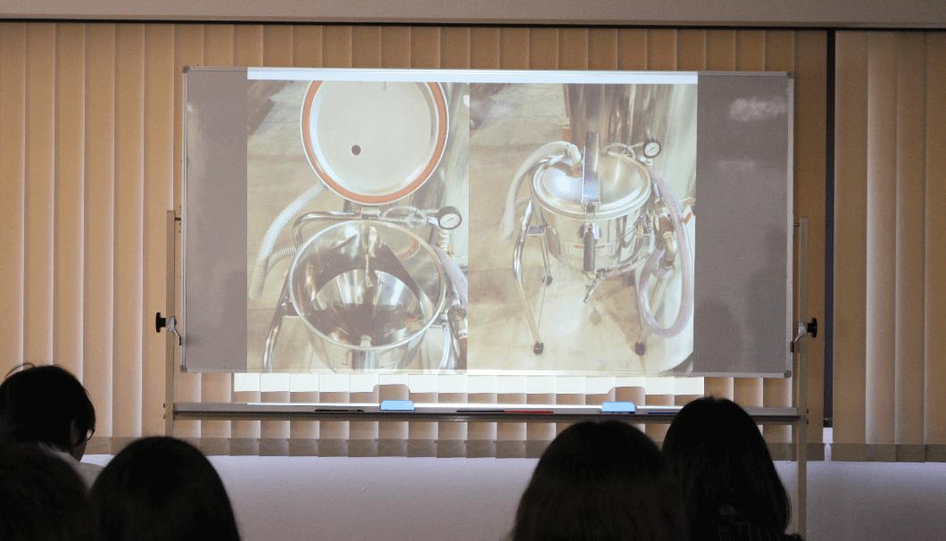 「SAKE EXPERT」の講義で説明された洗米機・ウッドソン