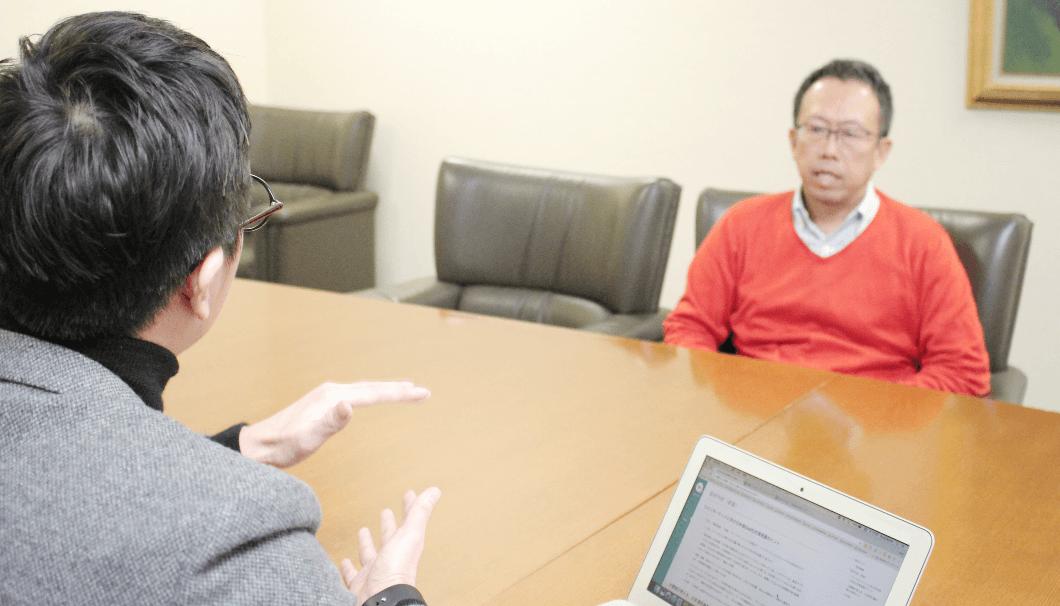 マスター・オブ・ワインである大橋さんに質問をする、株式会社Clearの代表・生駒