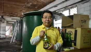 沖縄県唯一の清酒蔵「泰石酒造」の2代目・安田さん