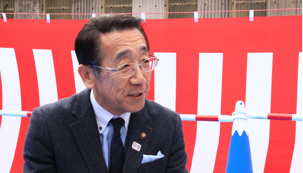お話しする松井市長