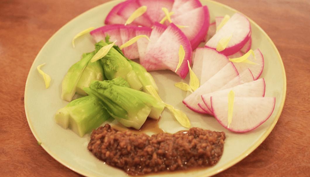 [えんじゃく、」旬野菜のお刺身、巽醤油の自家製醤油麹と