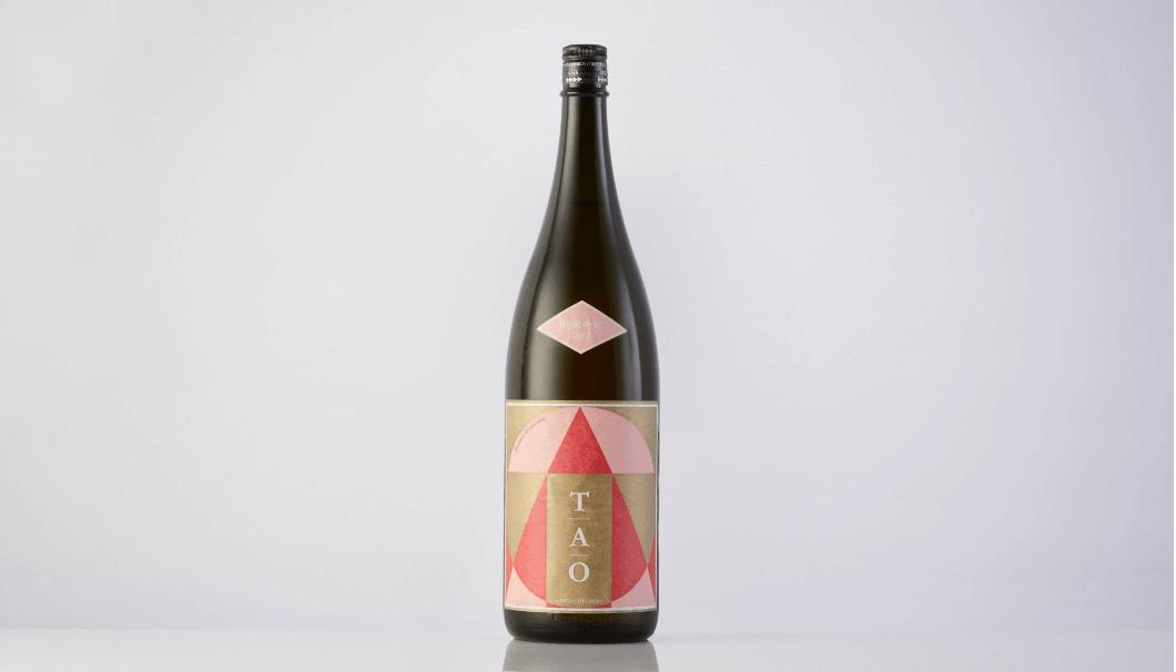 リカー・イノベーション株式会社が、広島県の合名会社梅田酒造場と共同開発した日本酒TAO(たお)