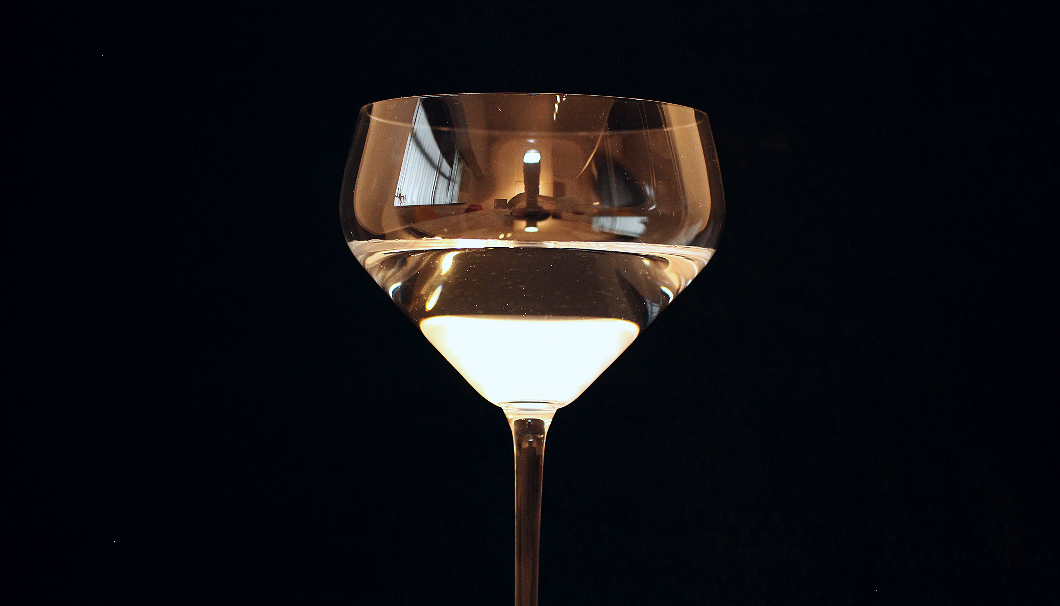 2018年4月19日より販売開始したRIEDEL(リーデル)の純米酒グラスの底辺部分アップ