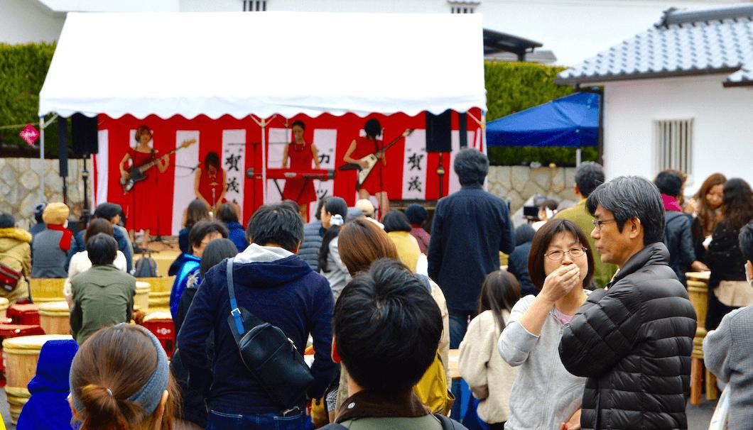 賀茂鶴 酒蔵マルシェ&ライブの会場の様子