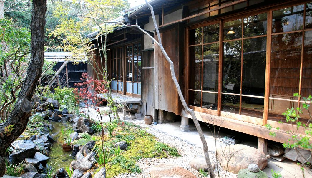大阪・天王寺に最後に残る、築100年の歴史ある大正時代の邸宅を使った古民家酒場「菜乃庵 nanoan」の写真画像