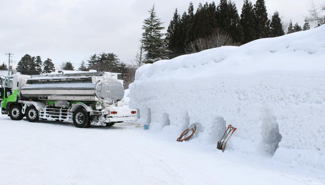 北鹿の雪中貯蔵が行われている場所