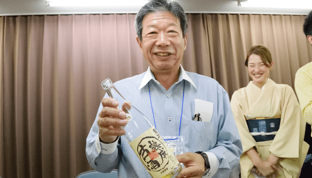 長期熟成酒研究会の会長であり、「龍力」「米のささやき」を醸す本田商店(兵庫県姫路市)の社長でもある本田眞一郎さんの写真。