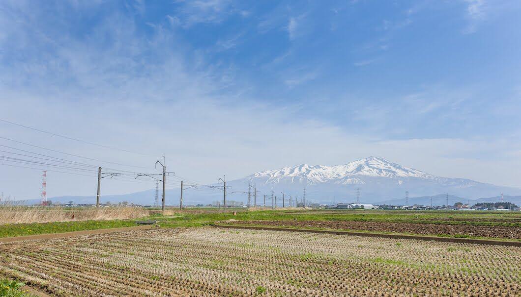 山形・庄内から望む美しい鳥海山