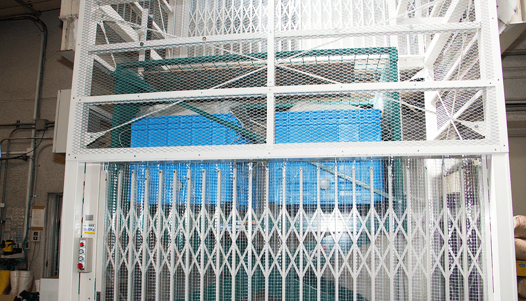 宮坂醸造の洗米を運ぶエレベーター