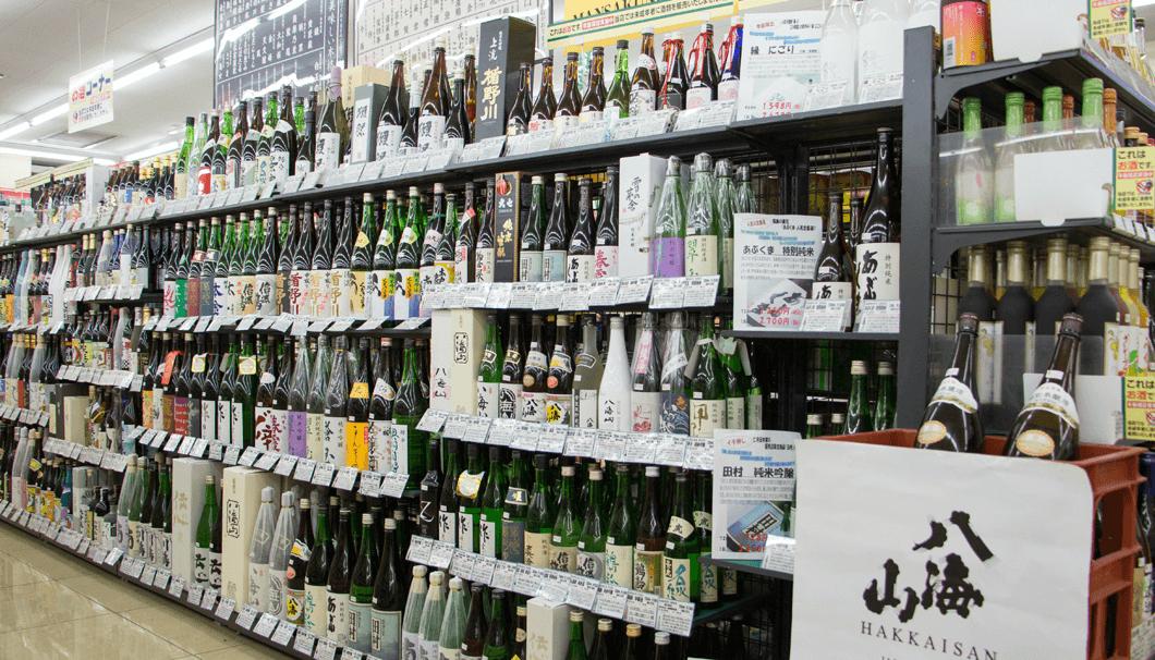 セブンイレブン津田沼店の陳列棚の写真