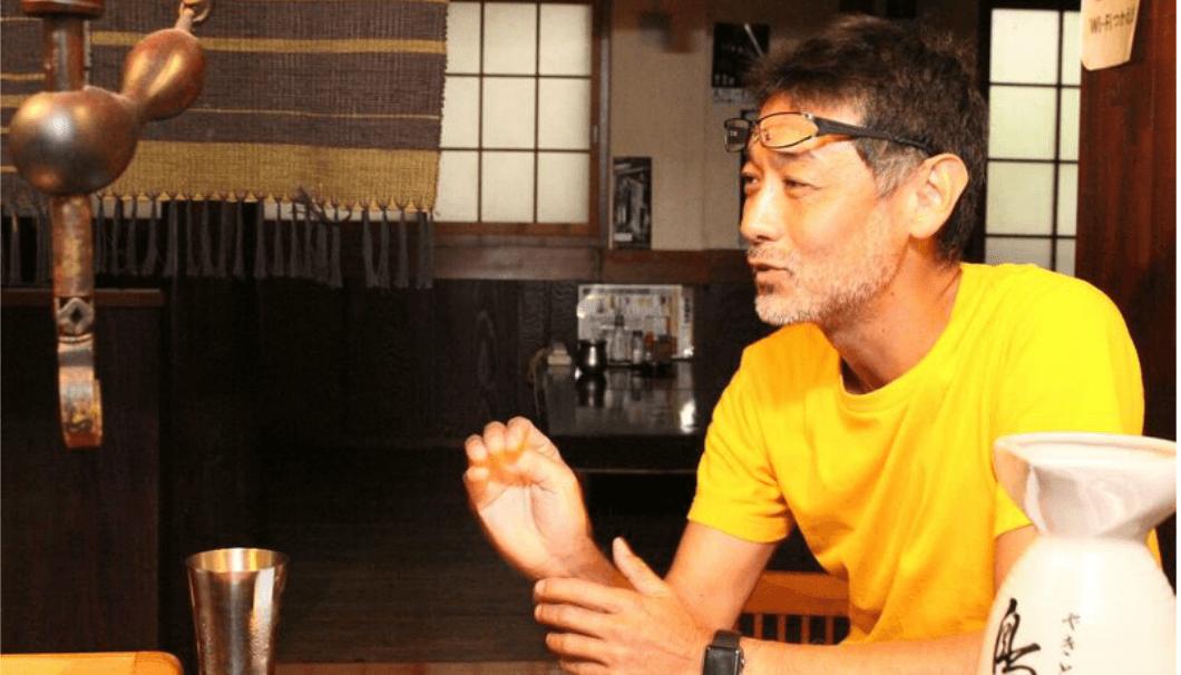 【佐藤さんのインタビュー風景を撮った写真