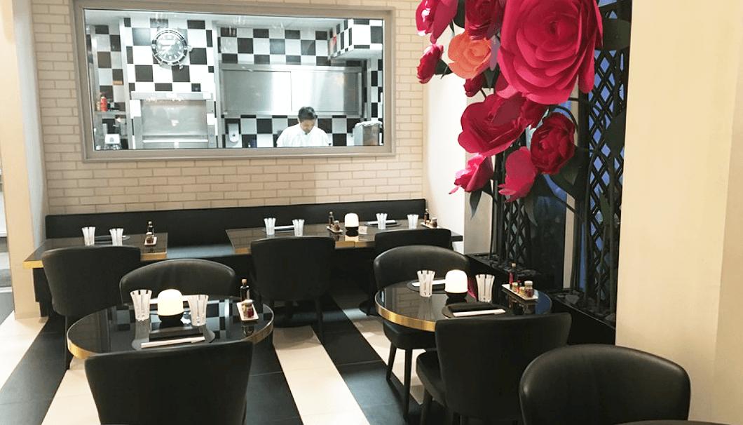 「Dassai Joel Robuchon」のカフェスペース