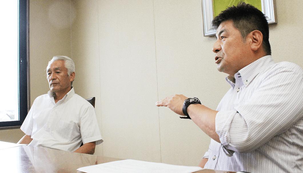 月桂冠の大滝義則さん(左)と山中洋祐さん(右)