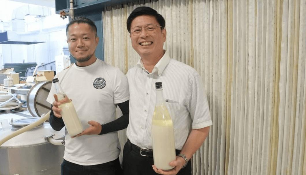 製造責任者の穐池さん(左)と尾坂社長(右)