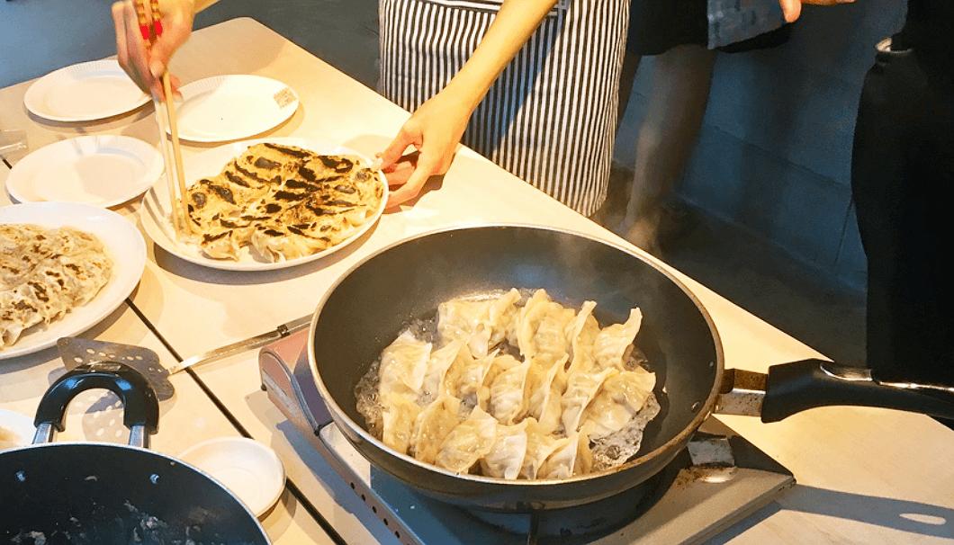 「餃子を作って日本酒を飲もう!!の会」焼き上がった餃子