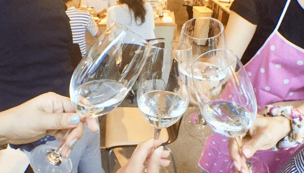 「餃子を作って日本酒を飲もう!!の会」乾杯の瞬間