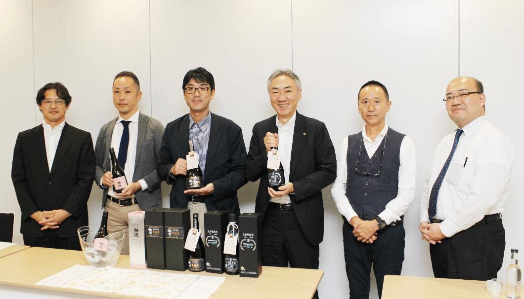 日本生粋地酒生産者協議会のメンバーの写真