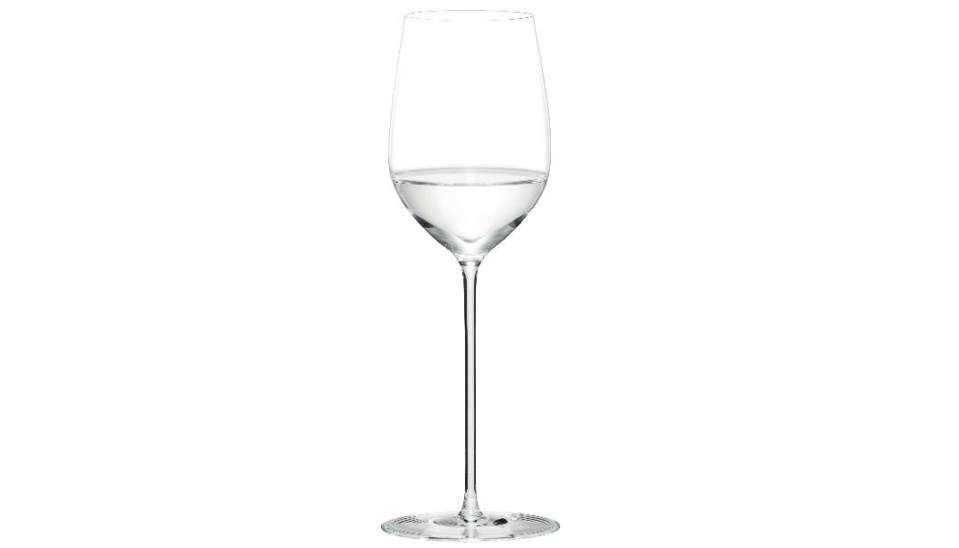 ワイングラスのようにすぼまりのある卵形によりフルーティな香りが際立つグラス『大吟醸』