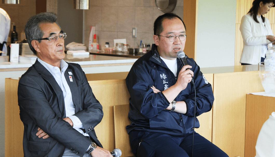 佐藤町長(左)と川端杜氏(右)のトークセッション