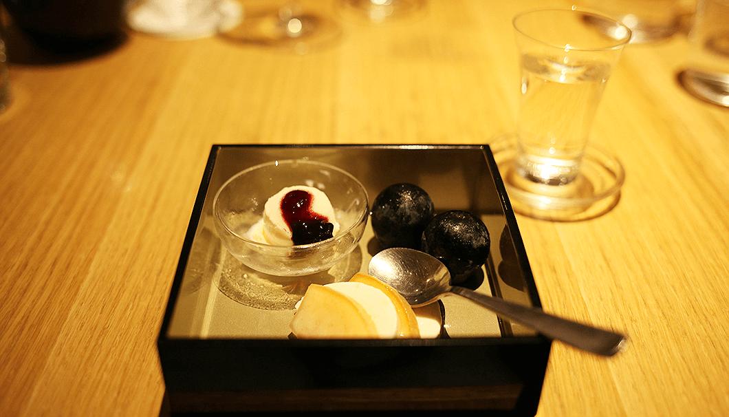 「桃のカプレーゼ バニラアイス ナガノパープル」