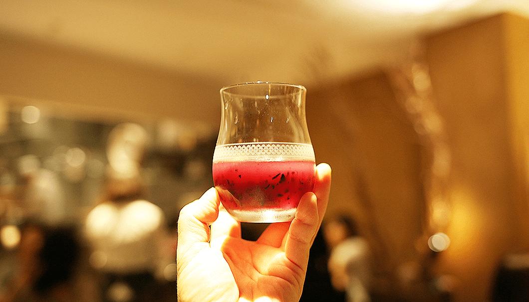 ナガノパープルの良さを引き出した日本酒カクテル