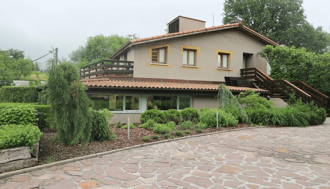 スパニッシュガストロノミーレストラン「ムガリッツ」の建物の外観