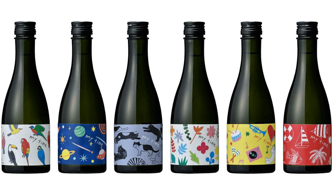白瀧酒造株式会社の新ブランド純米吟醸 my time(マイタイム)のボトルが並んでいる写真
