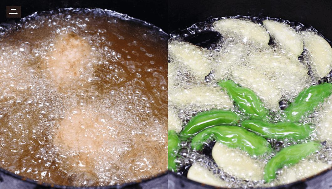 秋鮭と季節の野菜を揚げる