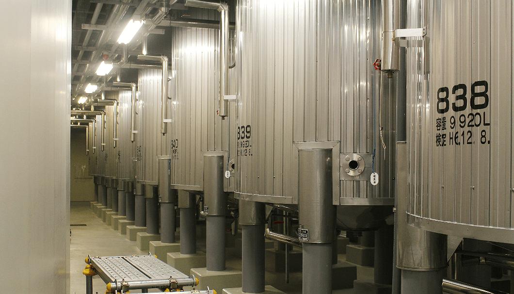 朝日酒造の醸造タンク