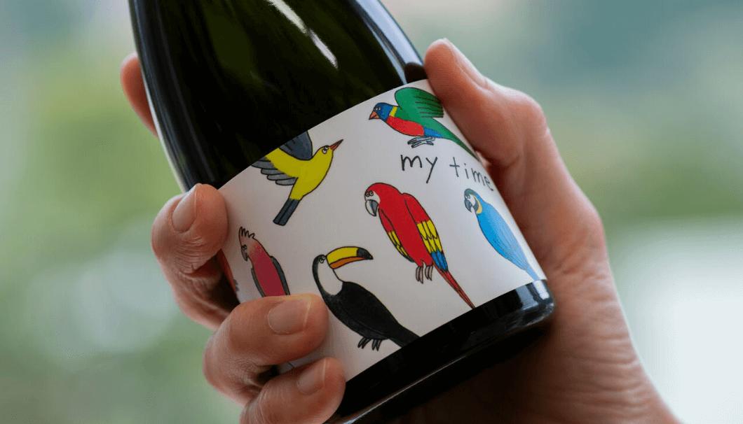 新潟の白瀧酒造の日本酒「my time」のボトルの写真(bird)