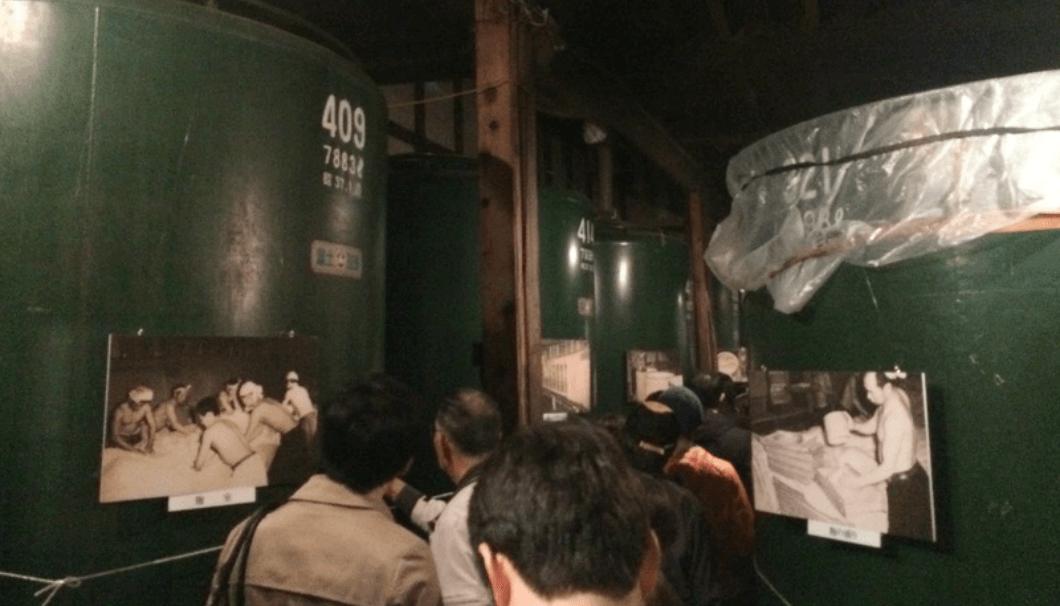 豊島屋酒造の酒蔵内