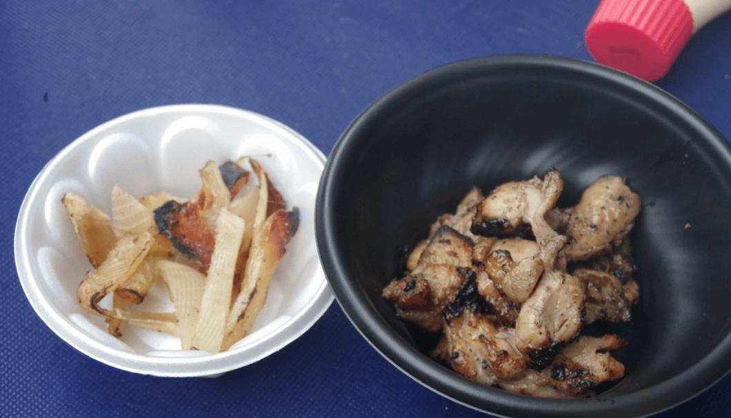 屋守の酒粕漬け鶏モモの炭火焼き「久米川 絹-kinu-」