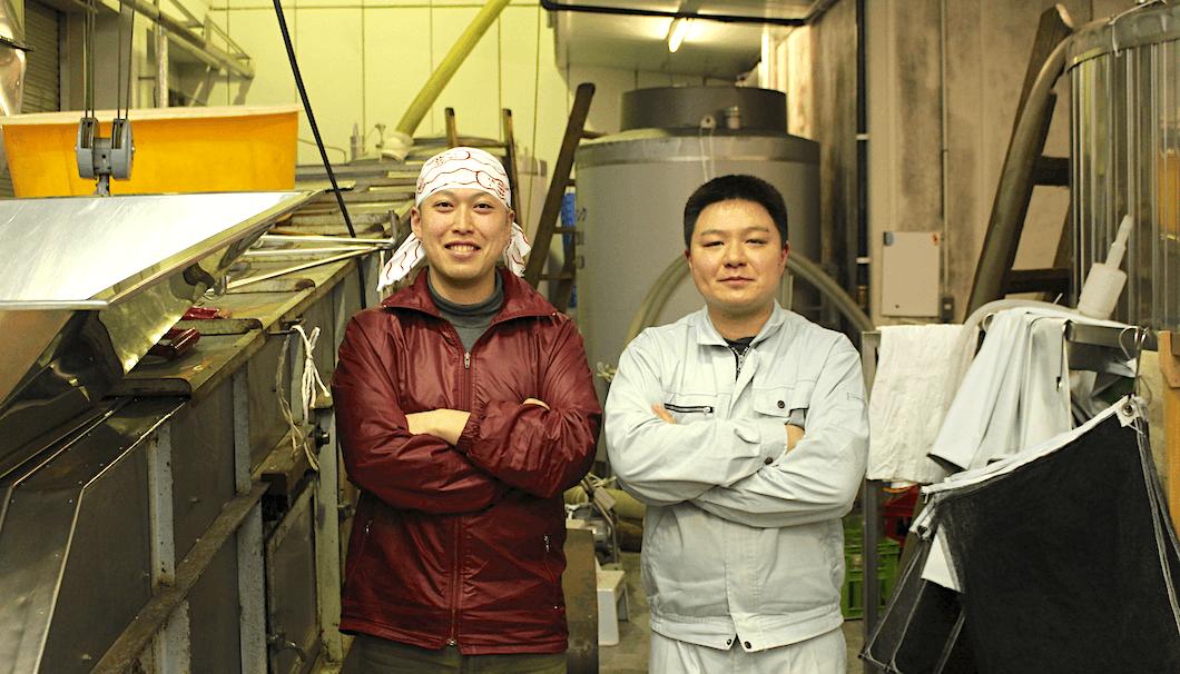 杜氏のフカホリさんと製造メンバーのワカバヤシさん