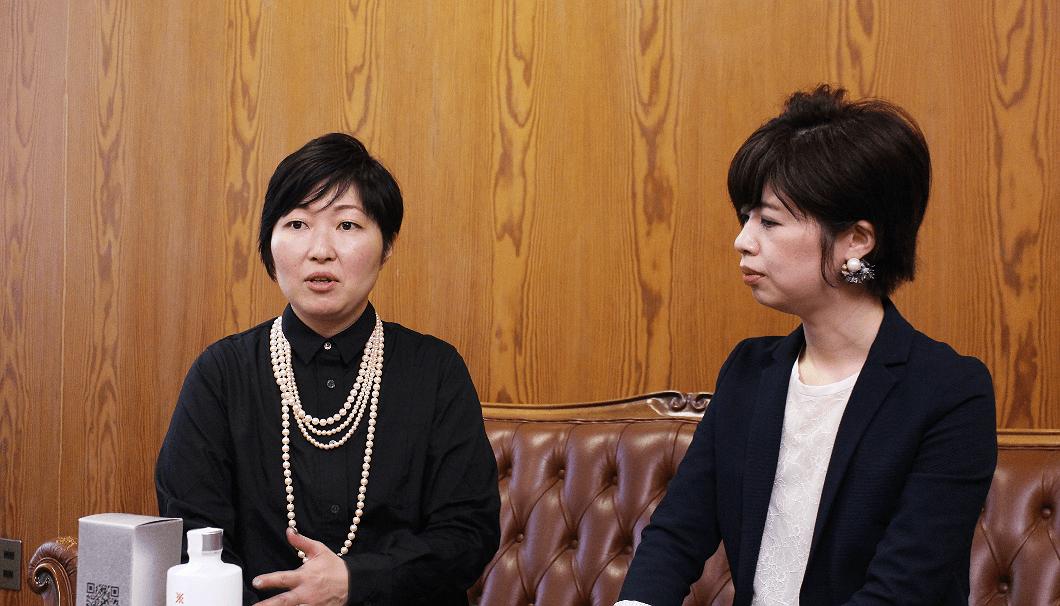 ヤンマー デザイン戦略室の海道未奈さん(写真左)、山元真弥さん(同右)
