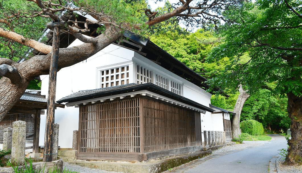 寿々乃井酒造店の蔵外観