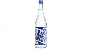日本盛株式会社(兵庫県西宮市)が発売したロックで飲んでも薄まらずに美味しく愉しめる商品「日本盛 かちわり生原酒720ml瓶」のボトル