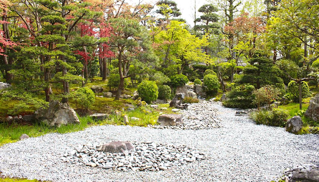 髙沢邸の庭園