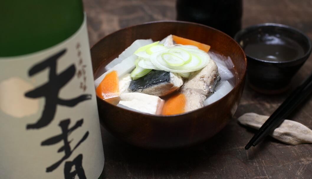 船場汁と神奈川茅ケ崎の地酒「天青」の写真