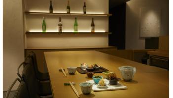 築地のブティックホテル「TSUKI」にオープンした日本酒バー