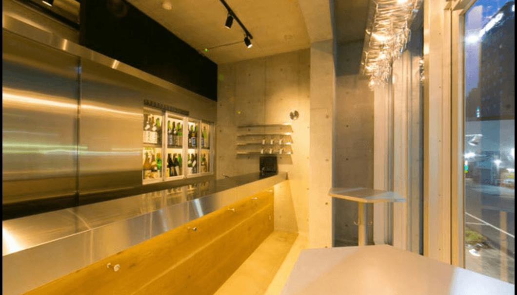純米酒YATAの内観