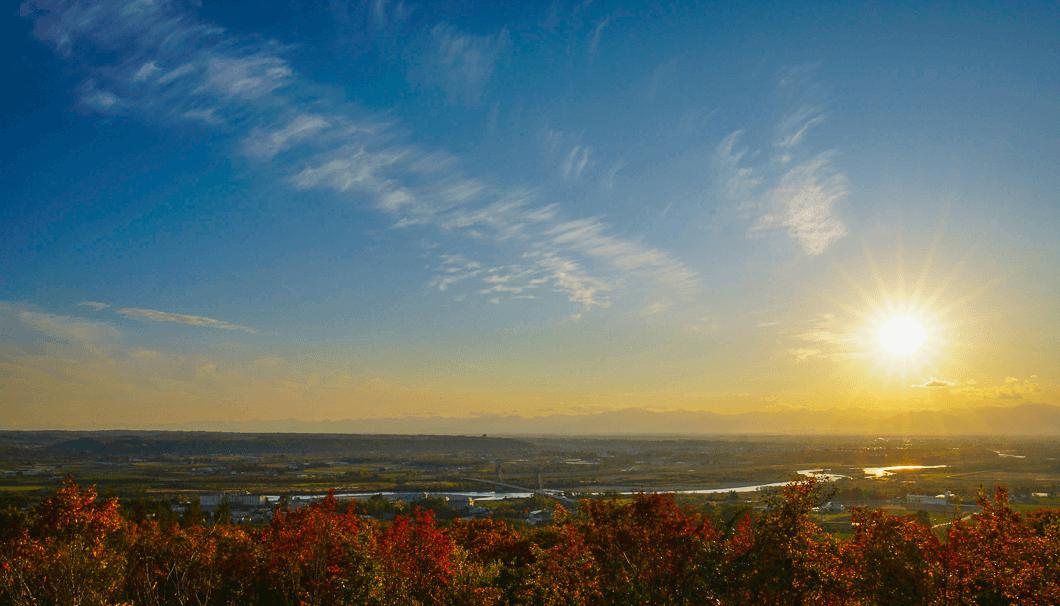 広大な十勝平野を照らす夕日