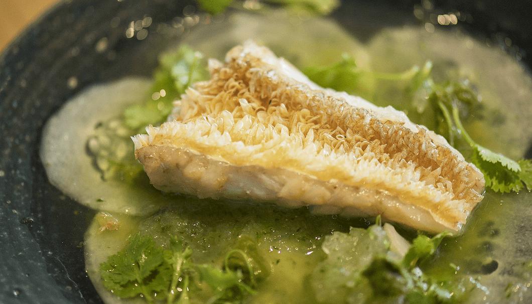甘鯛の鱗焼きと加賀太胡瓜 コリアンダー