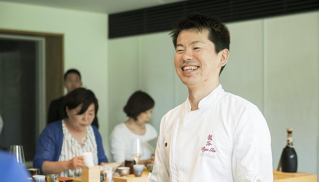 「祥雲龍吟」料理長の稗田良平さん