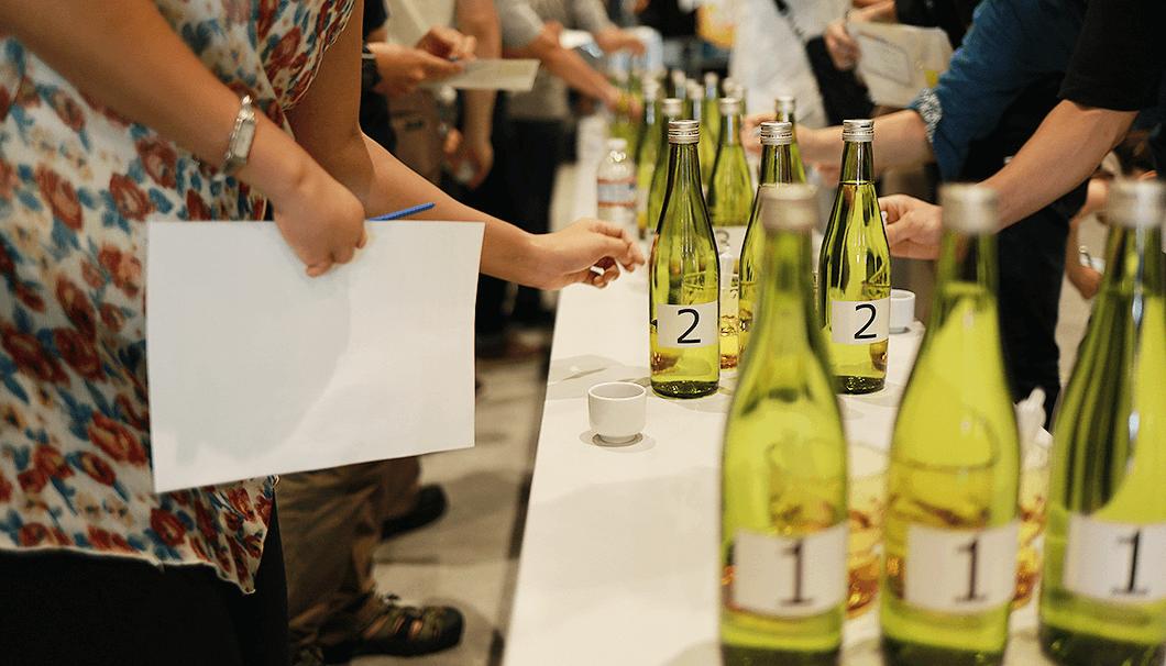 「長野県唎き酒世界選手権」の様子