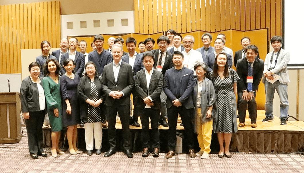 「日本酒輸出戦略ビジネスサミット2019」の関係者たち