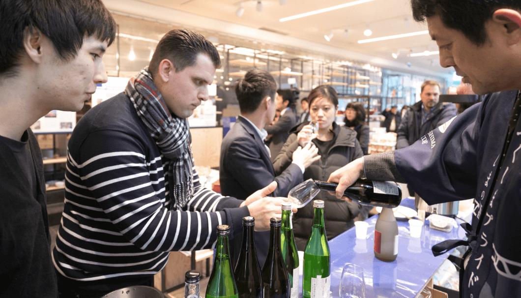 テロワージュふくしま実行委員会(代表:北村秀哉)が福島の日本酒や食の魅力を発信する展示会を開催。パリ日本文化会館にて